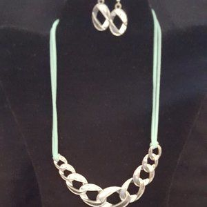 Paparazzi Teal and Silver Necklace Set